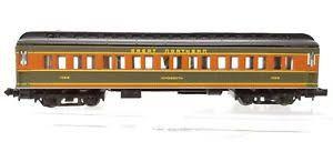 N Scale - Bachmann - 13064 - Passenger Car, Heavyweight - Great Northern - 1032