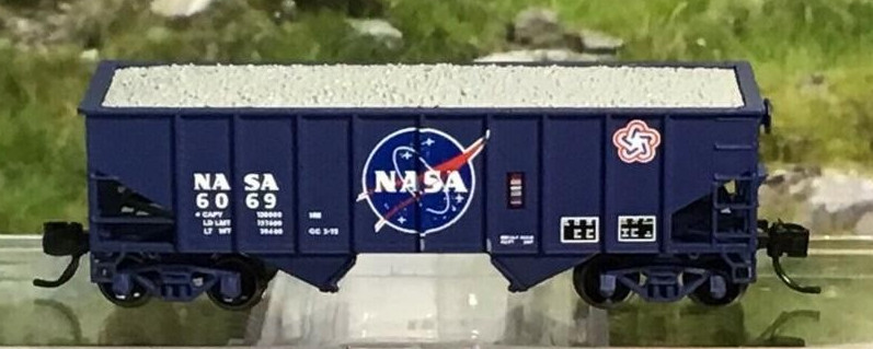 N Scale - Bluford Shops - NSE BLU 18-04 - Open Hopper, 2-Bay, Rib Side, 8-Panel - NASA - 6069