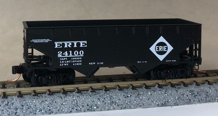 N Scale - Micro-Trains - NSC 05-117 - Open Hopper, 2-Bay, Offset Side - Erie - 24100