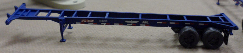 N Scale - Deluxe Innovations - 1061 - Container Chassis, 40 Foot - APL Logistics - 130722, 138118