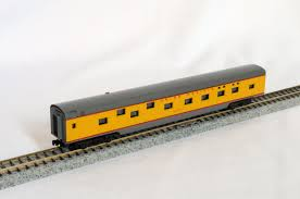 N Scale - Con-Cor - 0001-04011E - Passenger Car, Smoothside, 85 Foot Sleeper - Union Pacific - Sun Ray