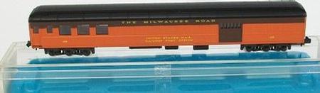 N Scale - Rivarossi - 9545 - Passenger Car, Heavyweight, Combine - Milwaukee Road - 106