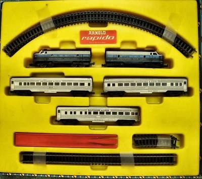 N Scale - Arnold - 056 BO - Passenger Train, Diesel, North American, Transition Era - Baltimore & Ohio - 5-Unit