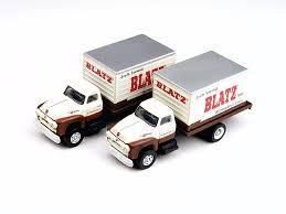 N Scale - Classic Metal Works - 50310 - Truck, Ford F-Series - Blatz Beer - 1954 Ford F-Series Box Van