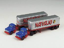 N Scale - Classic Metal Works - 51133 - Truck, IH R190 - Navajo