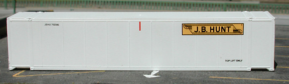 N Scale - Deluxe Innovations - 818C - Container, 40 Foot, Smoothside, Dry - J.B. Hunt - 702916 702847