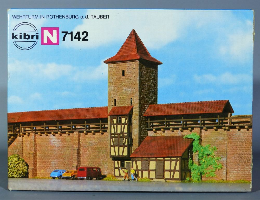 N Scale - Kibri - 7142 - City Walls - Municipal Structures - City Wall Section with Tower