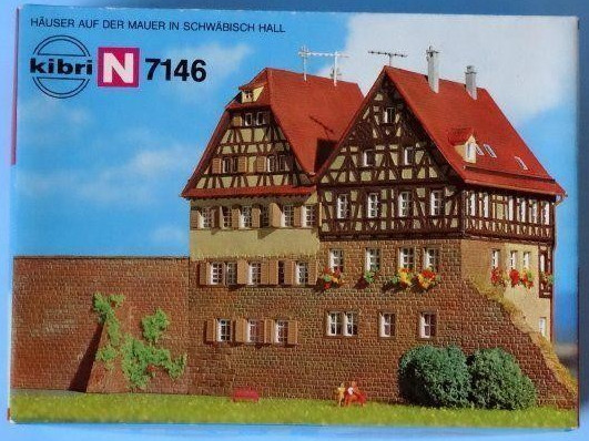 N Scale - Kibri - 7146 - City Walls - Municipal Structures - City Wall Section with Houses