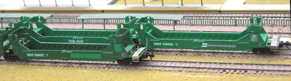 N Scale - Deluxe Innovations - 151401 - Container Car, Articulated, Gunderson TwinStack - Burlington Northern Santa Fe - 236023