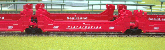 N Scale - Deluxe Innovations - 151011 - Container Car, Single Well, Gunderson TwinStack - SOO Line - 54570