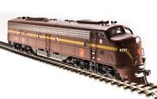 N Scale - Broadway Limited - 3065 - Locomotive, Diesel, EMD E8 - Pennsylvania - 5809