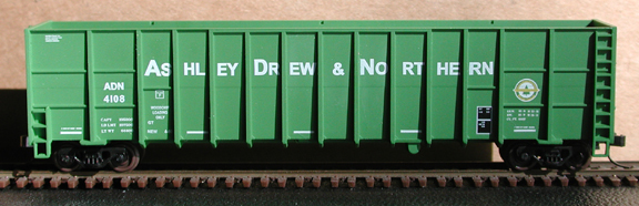 N Scale - Deluxe Innovations - 105913 - Gondola, Woodchip - Ashley Drew & Northern - 3 numbers