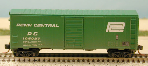 N Scale - Deluxe Innovations - 130312 - Boxcar, 40 Foot, AAR 1966 - Penn Central - 2 numbers
