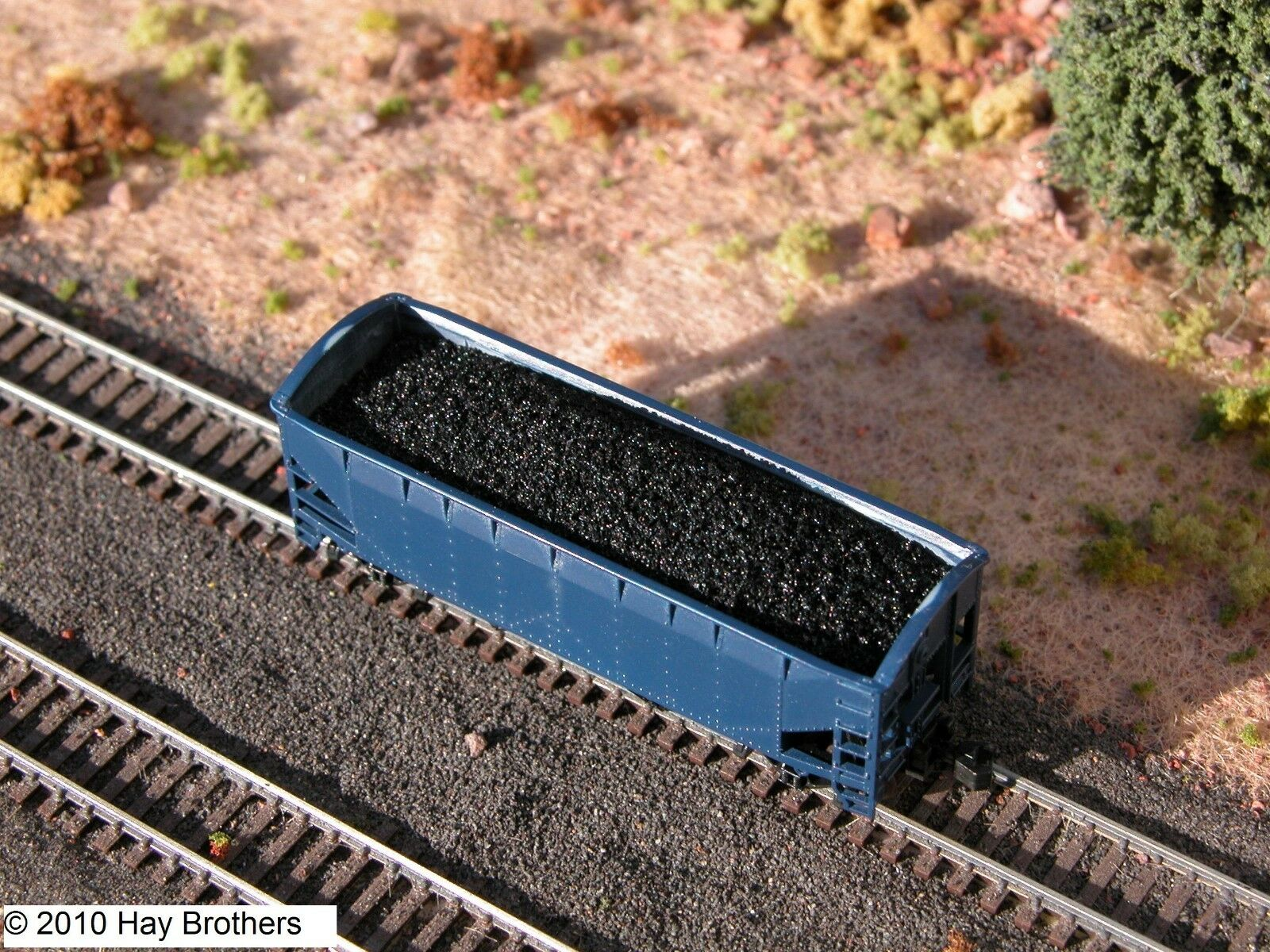 N Scale - Hay Bros - 7008 14 3 - Load - Painted/Unlettered - Coal Load (3-Pack)