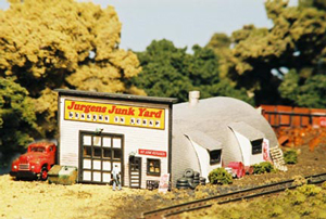 N Scale - Monroe Models - 9204 - Junk Yard - Commercial Structures - Junk Yard