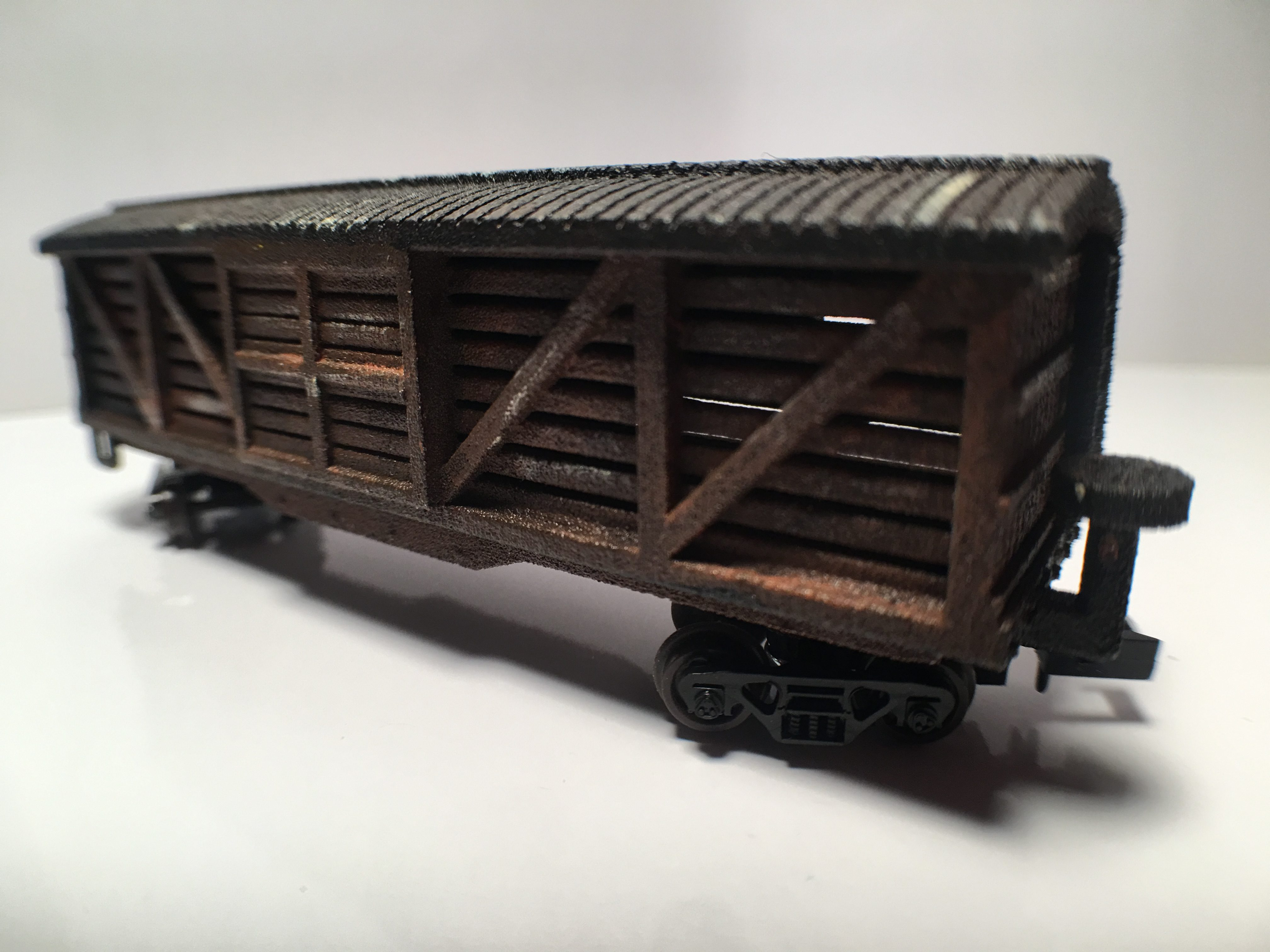 N Scale - B&T Model - Cattle Car - Stock Car, 40 Foot, Wood - Painted/Unlettered