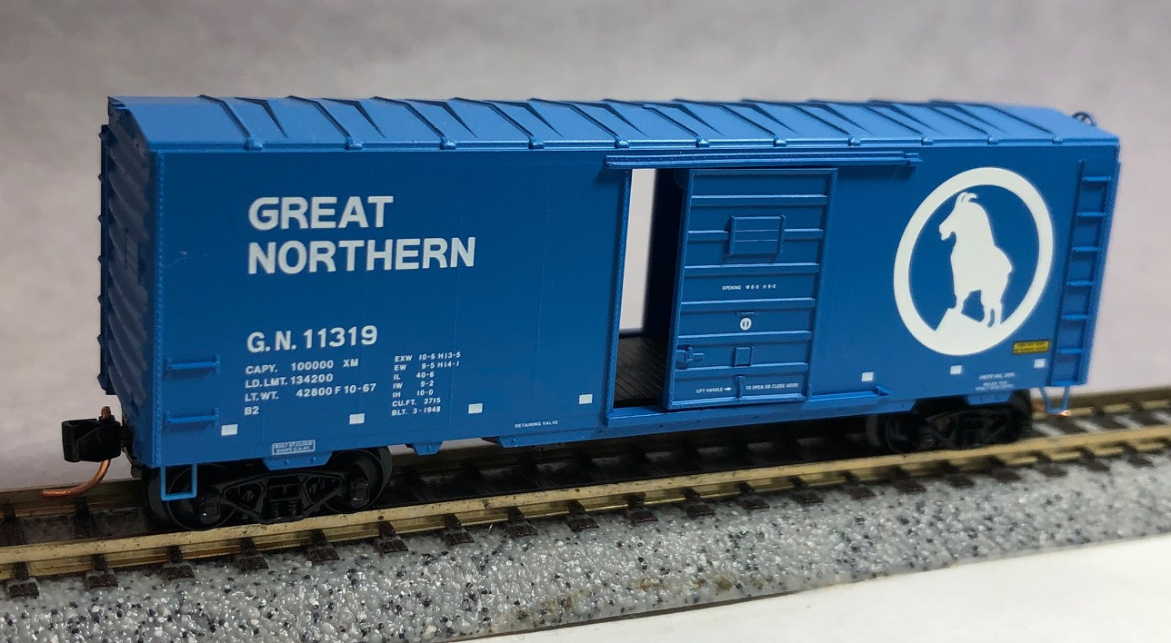 N Scale - Micro-Trains - NSC 05-27 - Boxcar, 40 Foot, PS-1 - Great Northern - 11319