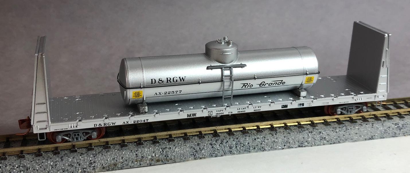 N Scale - Micro-Trains - NSC MTL 06-85 - Flatcar, Bulkhead - Rio Grande - AX-22047