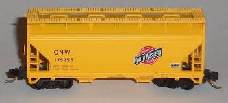 N Scale - Atlas - 39131 - Covered Hopper, 2-Bay, ACF Centerflow - Chicago & North Western - 96696