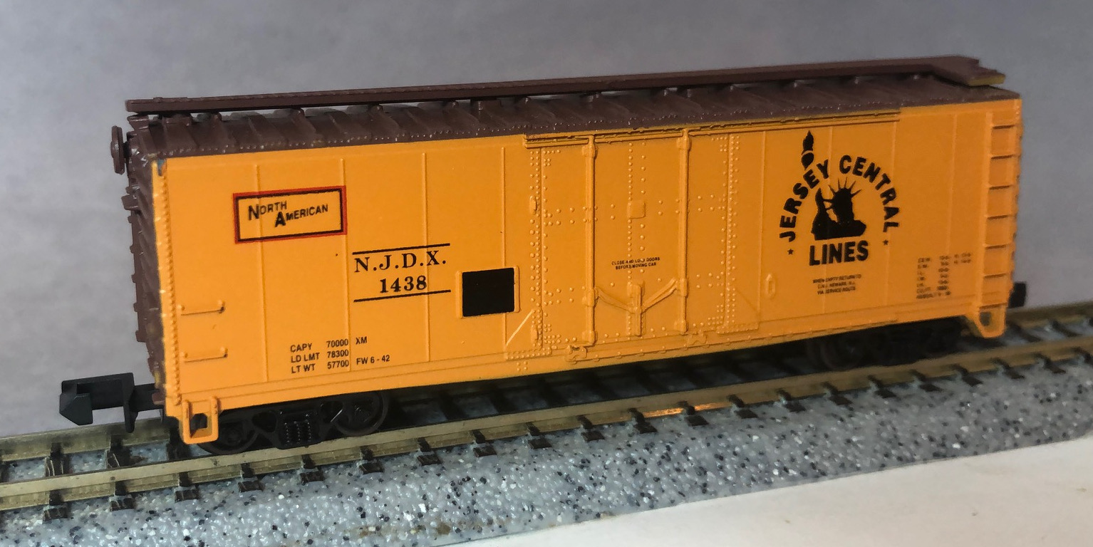 N Scale - Squeak N Products - 0037 - Boxcar, 40 Foot, Steel Plug Door - Jersey Central - 1438