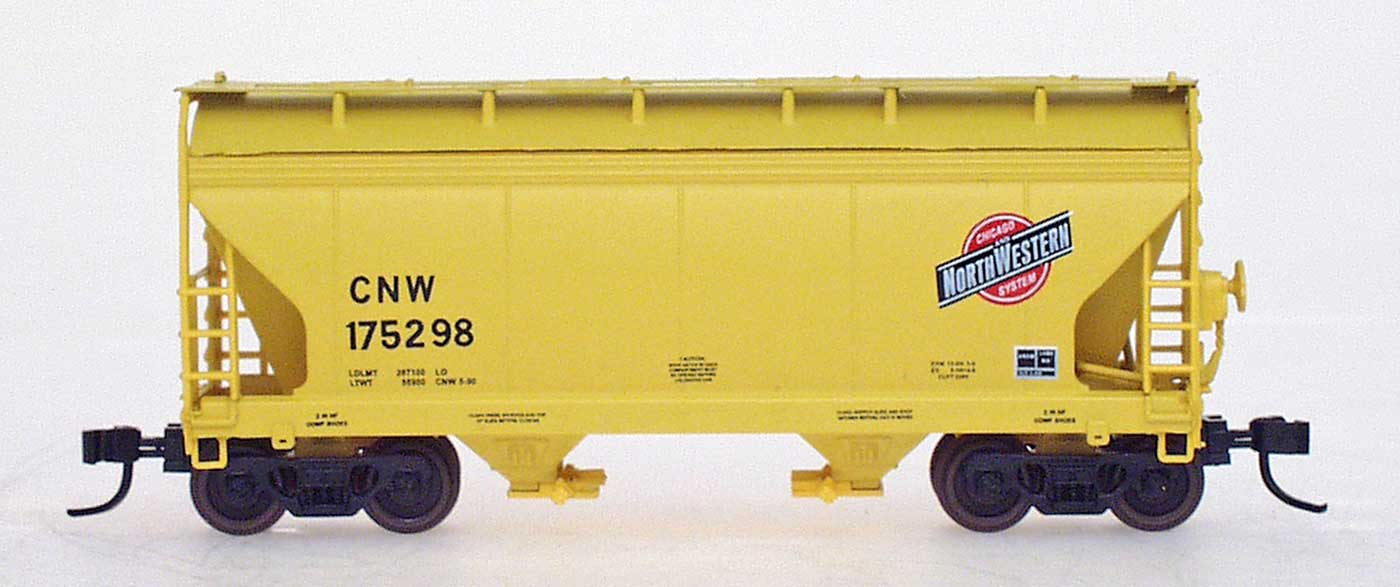 N Scale - InterMountain - 66522-18 - Covered Hopper, 2-Bay, ACF Centerflow - Chicago & North Western - 175586