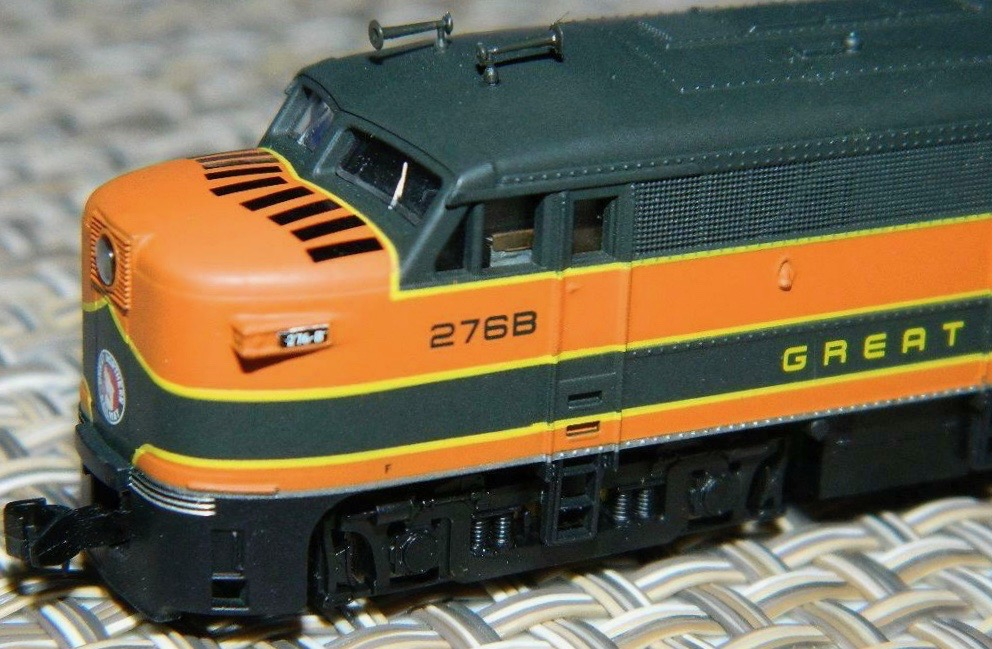 N Scale - Life-Like - 7446-B - Locomotive, Diesel, Alco FA-1 - Great Northern - 276B