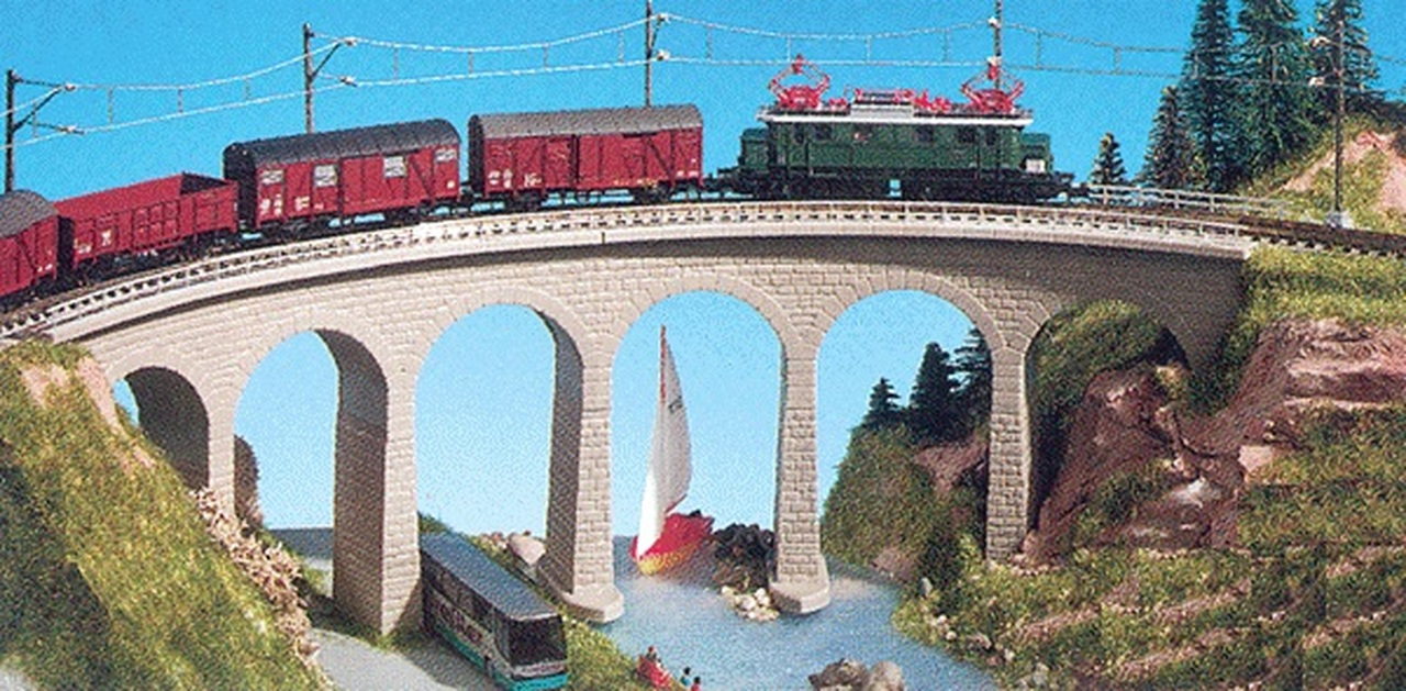 N Scale - Kibri - 37664 - Curved stone viaduct - Bridges and Piers