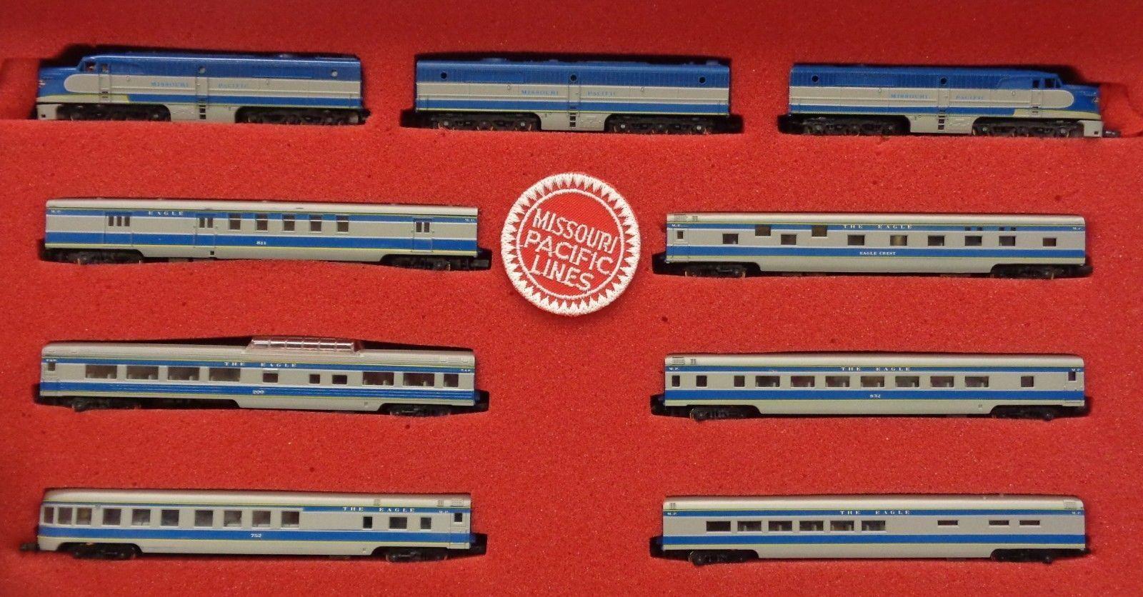 N Scale - Con-Cor - Limited Edition Set # 7 - Passenger Train, Diesel, North American, Transition Era - Missouri Pacific - 9-Unit