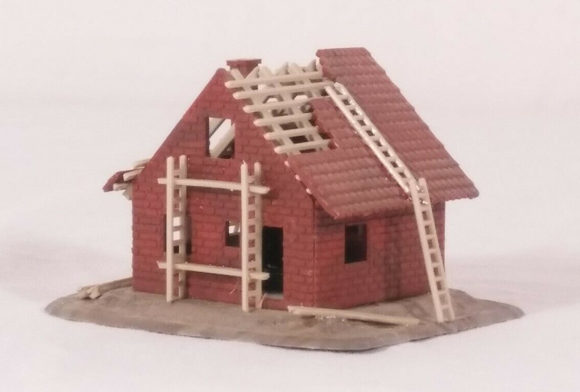 N Scale - Pola - 221 - House - Residential Structures - House Under Construction