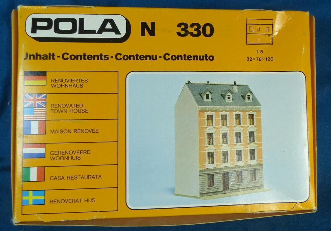 N Scale - Pola - 330 - House - Residential Structures - Row House