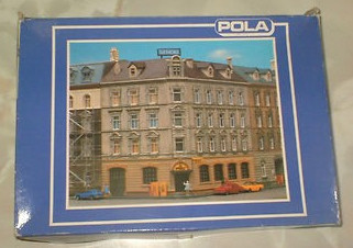 N Scale - Pola - 343 - House - Residential Structures - Row House