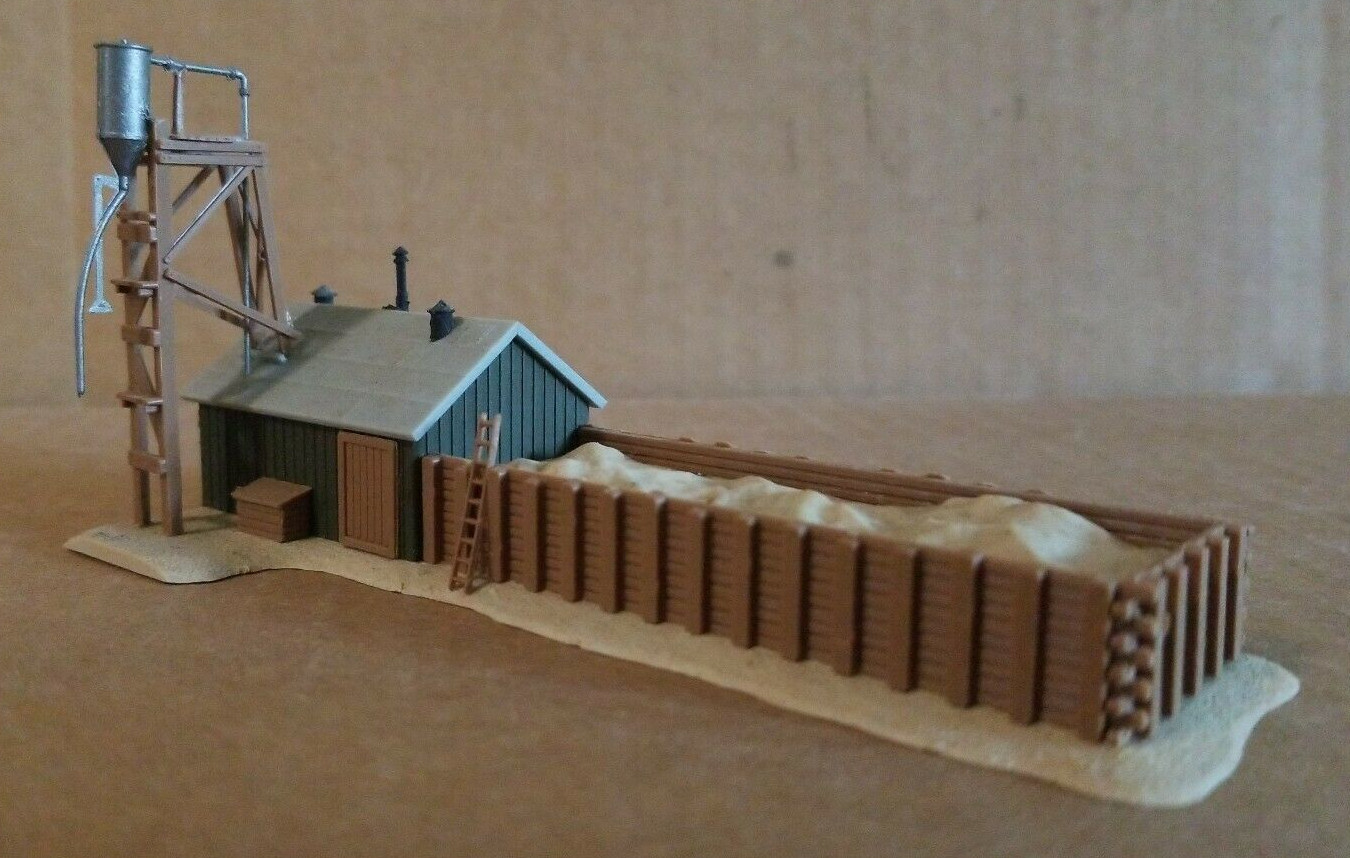 N Scale - Pola - 247 - Sand House - Railroad Structures - Sand House