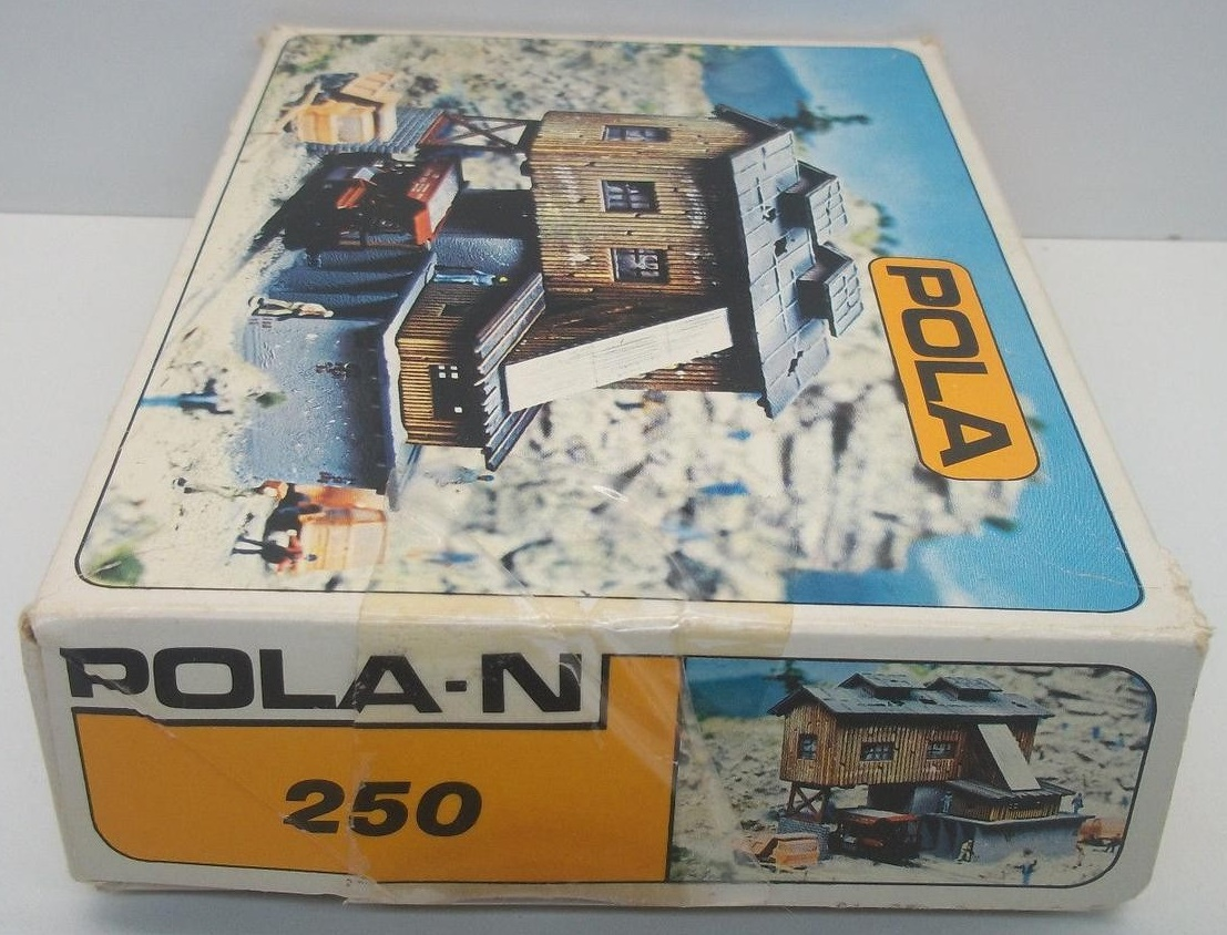 N Scale - Pola - 250 - Quarry - Industrial Structures - Old Quarry and Ballast Works