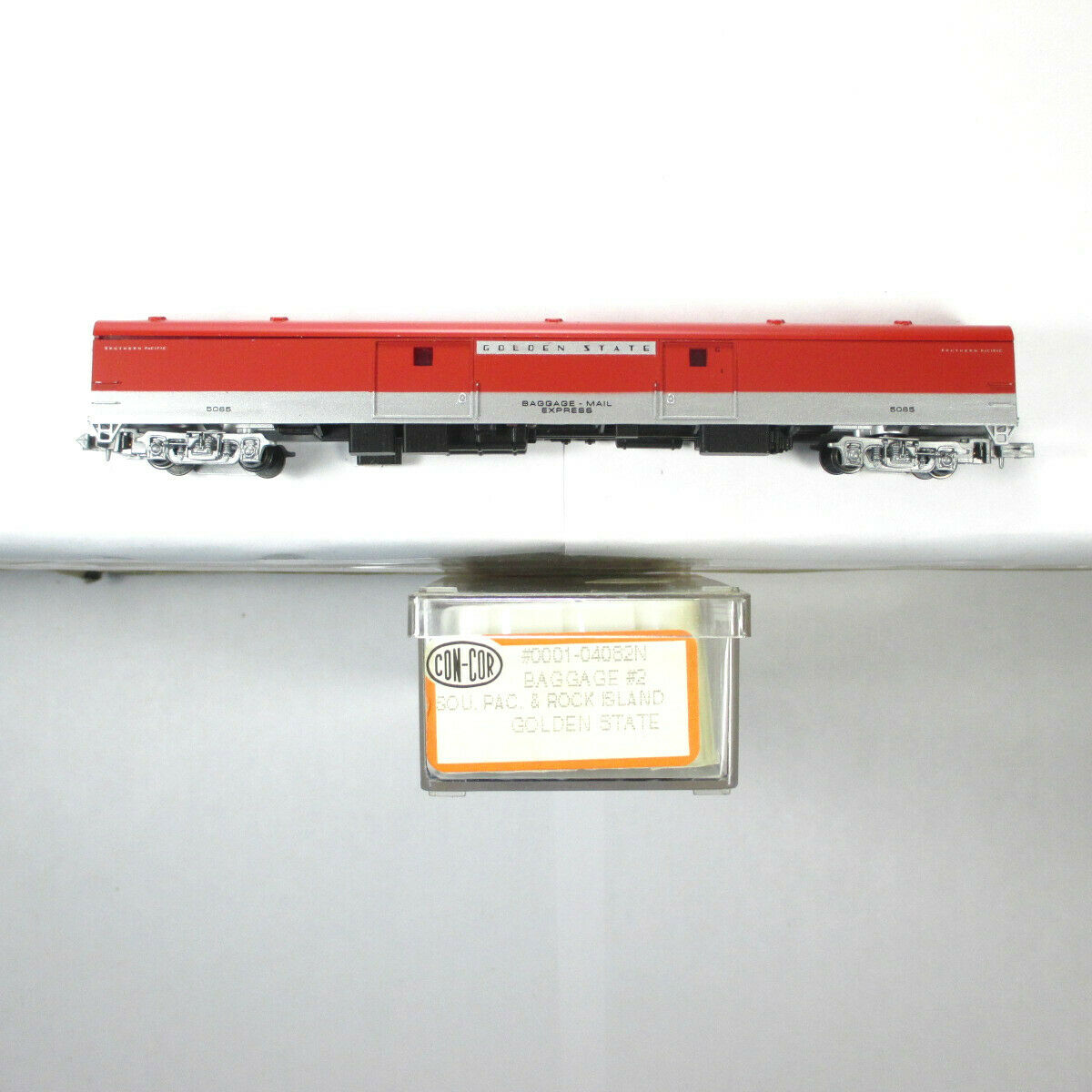 N Scale - Con-Cor - 0001-04082N - Passenger Car, Lightweight, Great Northern Baggage - Rock Island