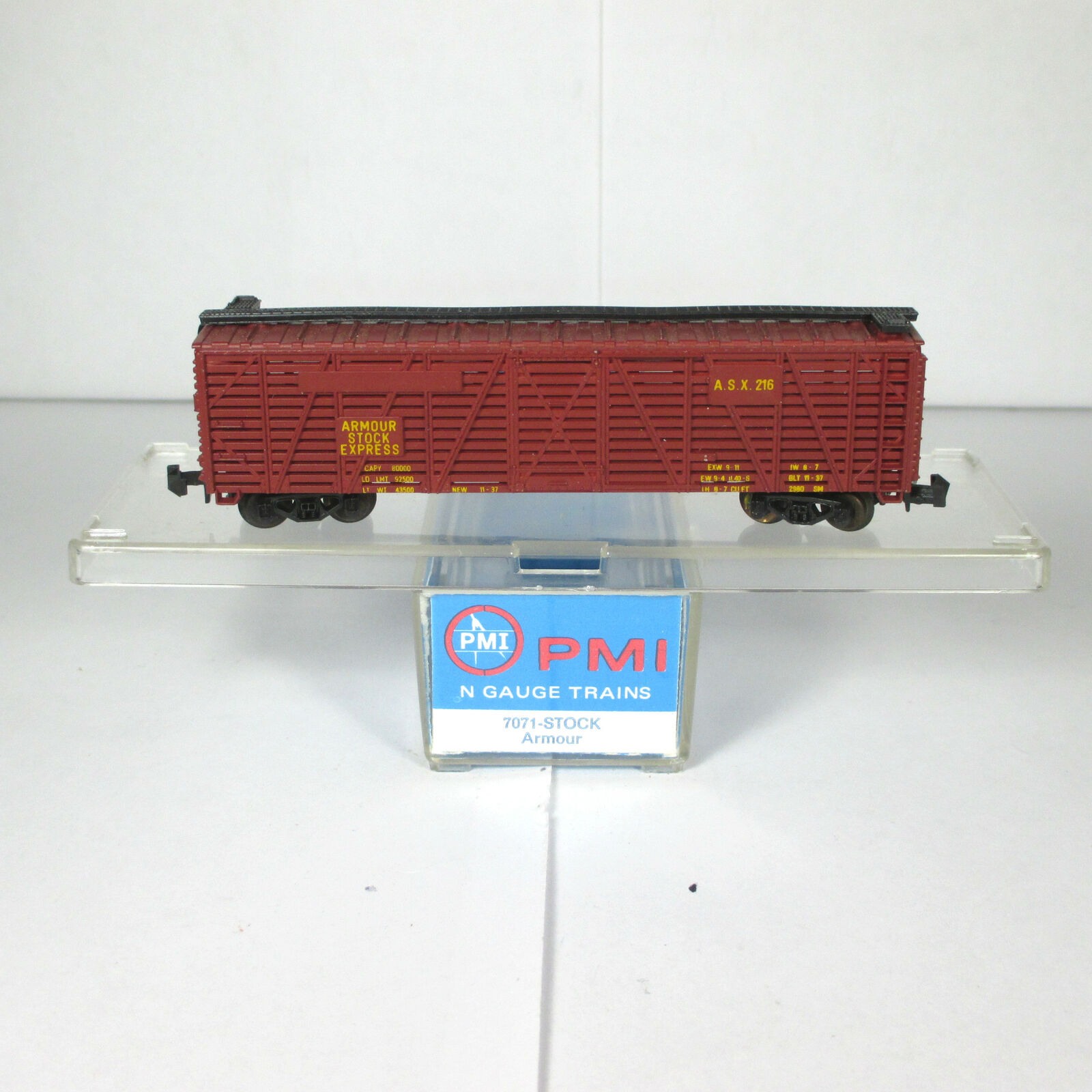 N Scale - PMI - 7071 - Stock Car, 40 Foot, Steel - Armour and Company - 216