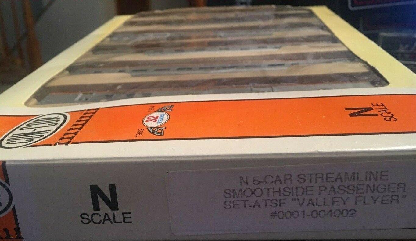 N Scale - Con-Cor - 0001-004002 - Passenger Car, Lightweight, Smoothside - Santa Fe - 5-Unit