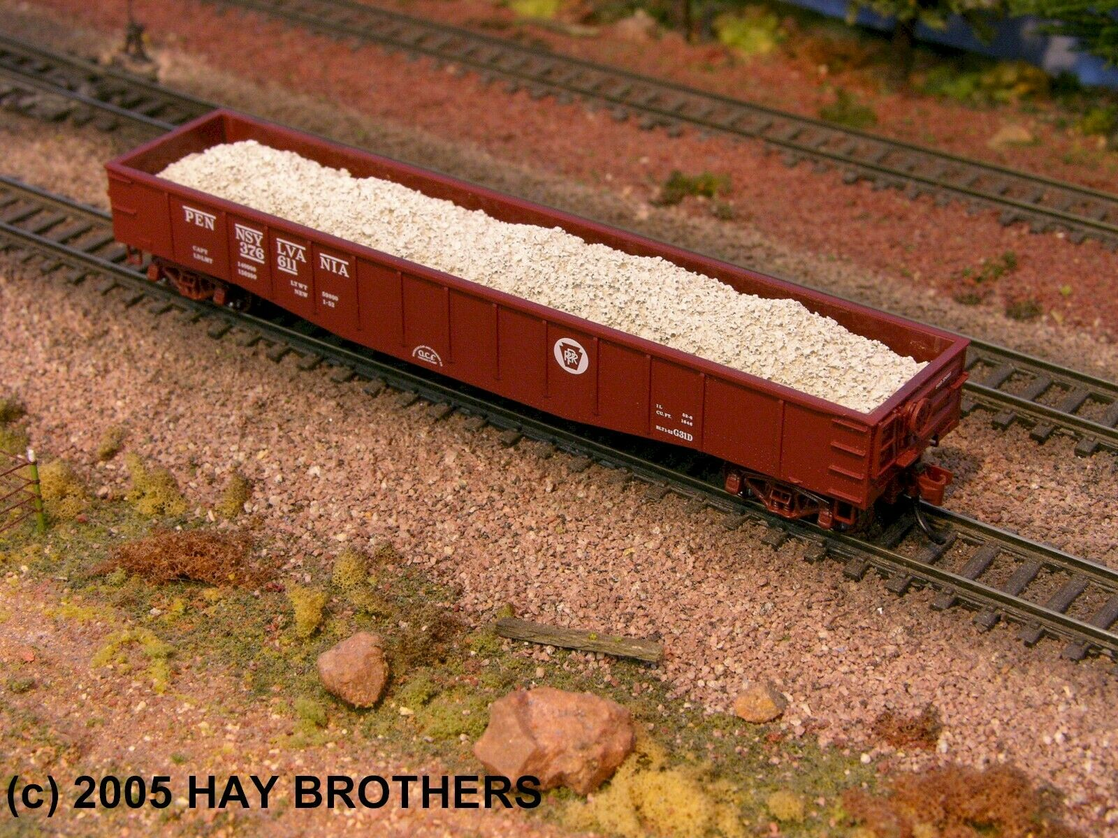 N Scale - Hay Bros - 2502-08 - Load - Painted/Unlettered - 1967-1978 CRUSHED AUTOS & SCRAP