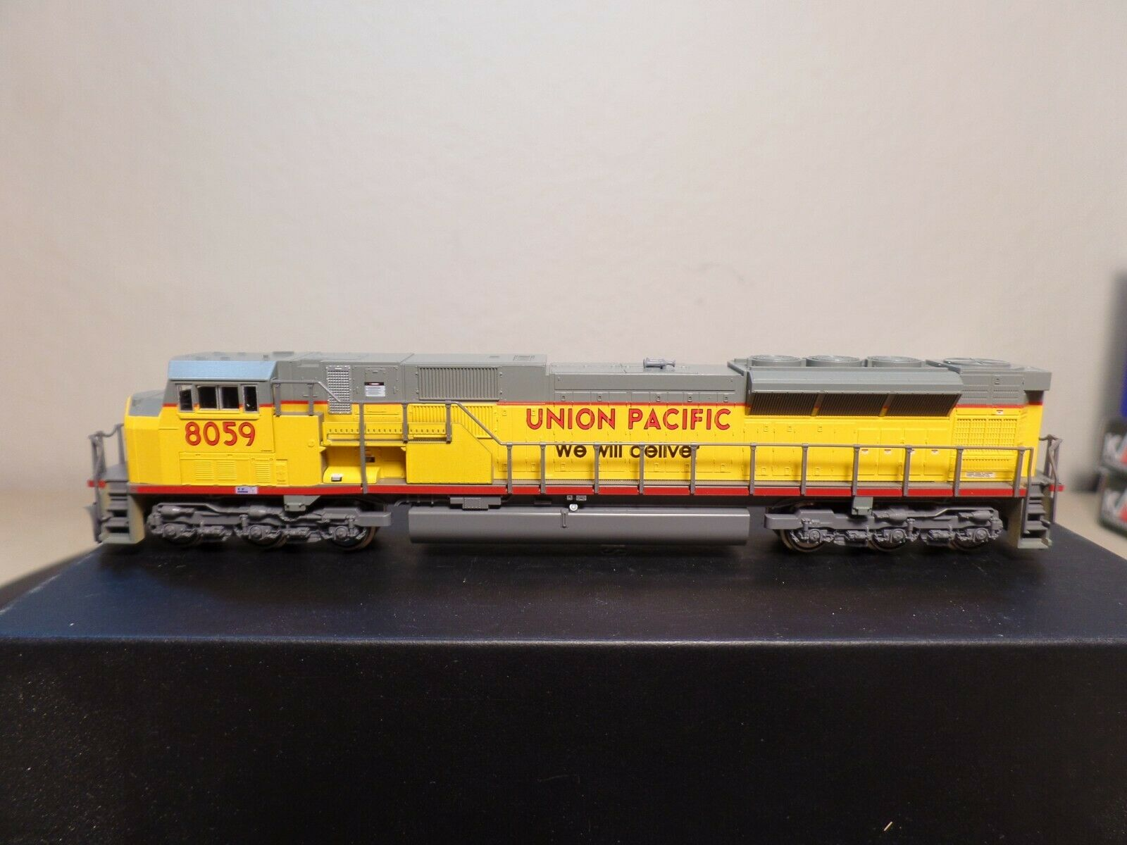 N Scale - Kato USA - 176-5608 - Locomotive, Diesel, EMD SD90MAC - Union Pacific - 8059