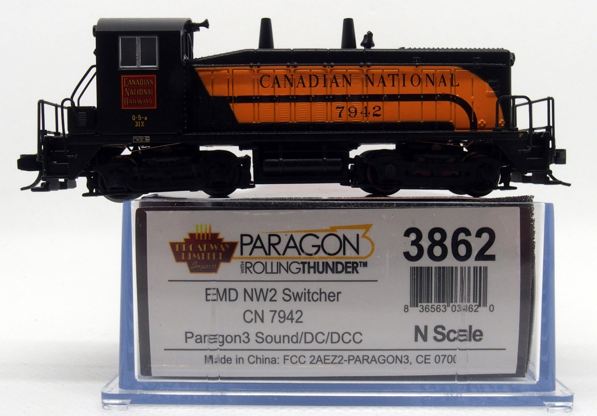 N Scale - Broadway Limited - 3862 - Locomotive, Diesel, EMD NW2 - Canadian National - 7942