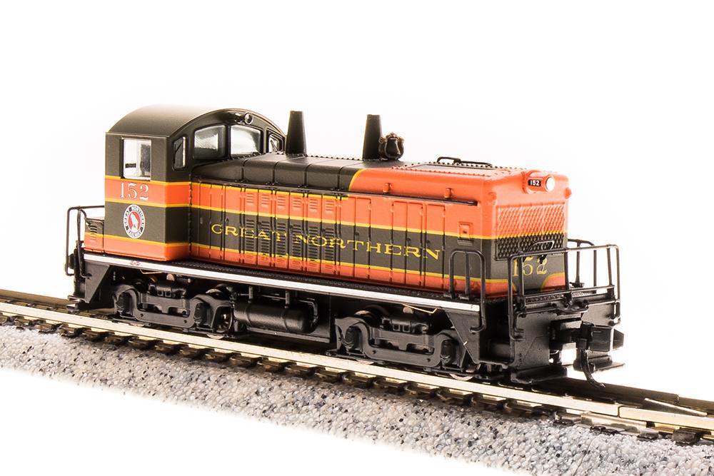 N Scale - Broadway Limited - 3865 - Locomotive, Diesel, EMD NW2 - Great Northern - 154