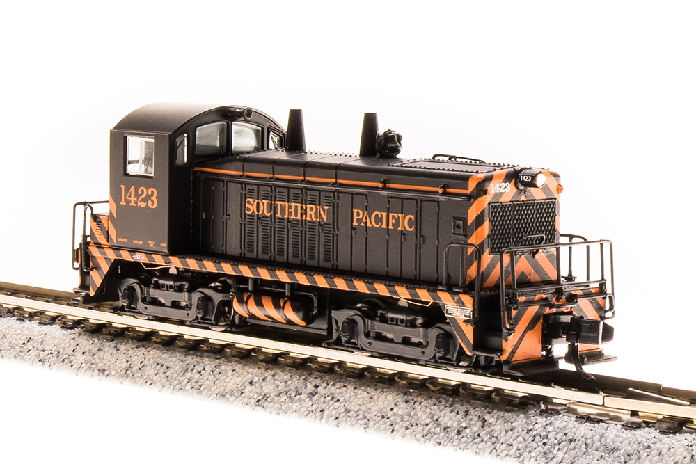 N Scale - Broadway Limited - 3869 - Locomotive, Diesel, EMD NW2 - Southern Pacific - 1424
