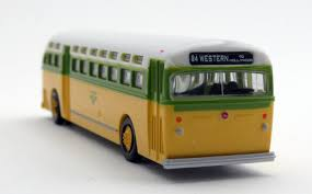 N Scale - Wheels of Time - 90351 - Bus, GM Old Look - Painted/Unlettered - None