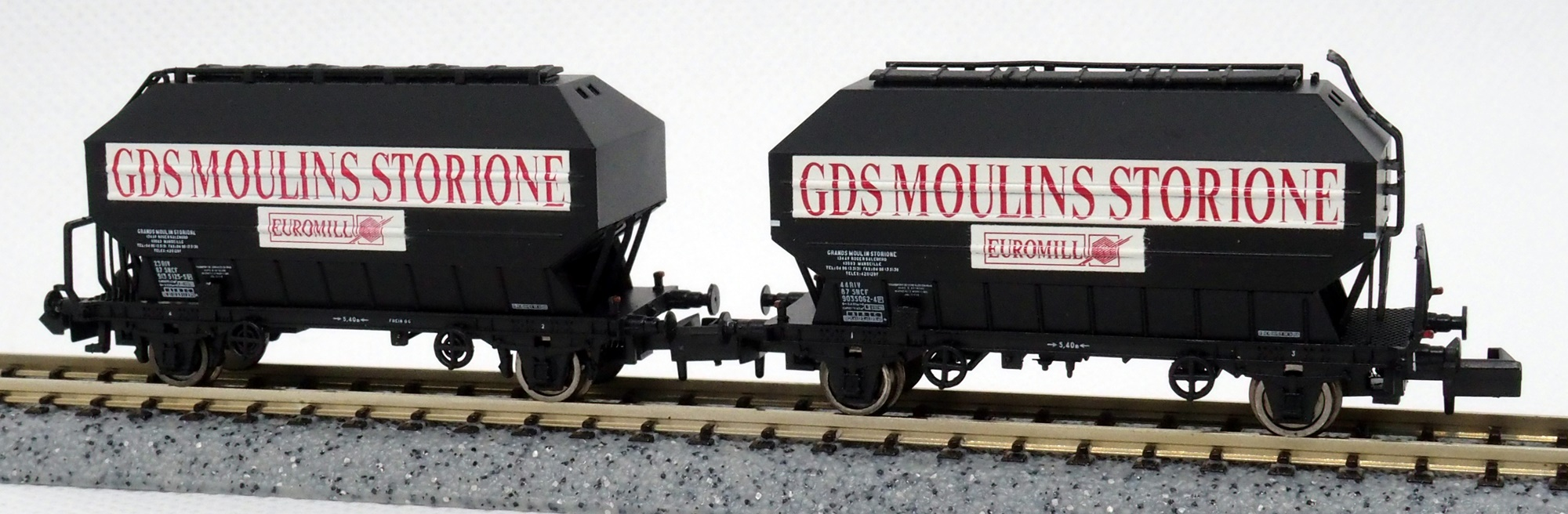 N Scale - N160 - NC24006 - Covered Hopper, 2-Axle, Cereal - SNCF - 2-pack