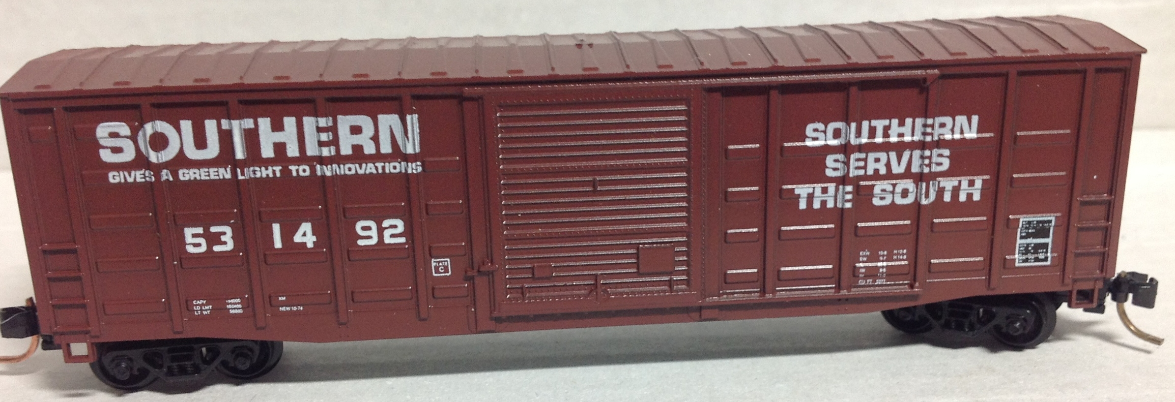 N Scale - Roundhouse - 8180 - Boxcar, 50 Foot, PS-1 - Southern - 531492