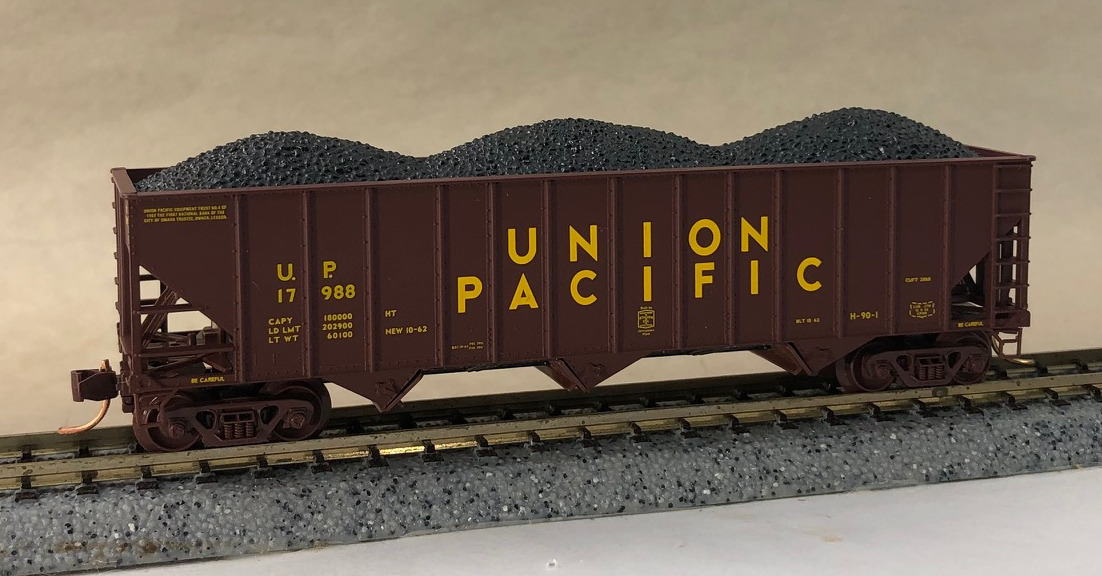 N Scale - Micro-Trains - NSC 04-15 - Open Hopper, 3-Bay, 100 Ton - Union Pacific - 17988