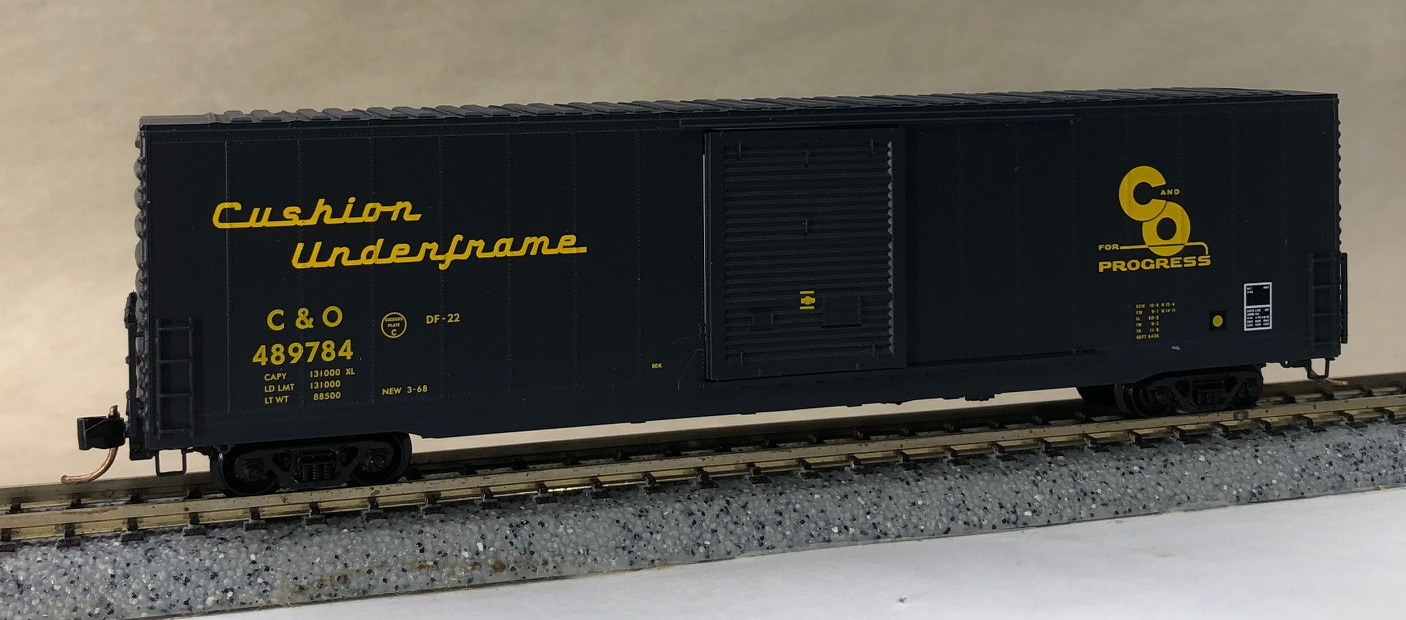 N Scale - Micro-Trains - NSC 01-24 - Boxcar, 60 Foot, High-Cube - Chesapeake & Ohio - 489784