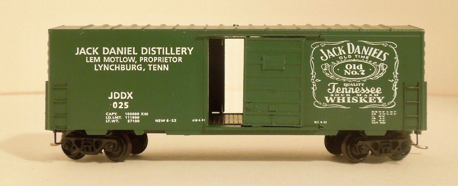 N Scale - Ak-Sar-Ben - 9211A - Boxcar, 40 Foot, PS-1 - Jack Daniels - 025