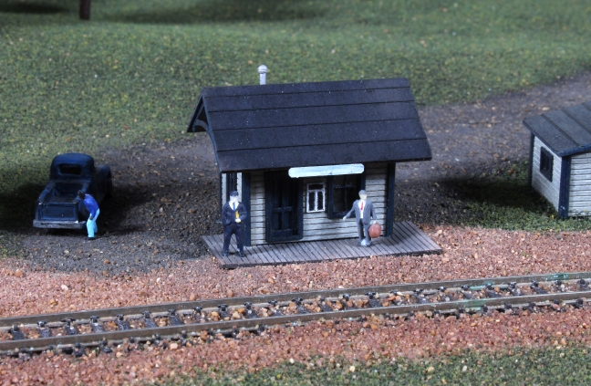 N Scale - American Model Builders - 631 - Branchline Station - Undecorated
