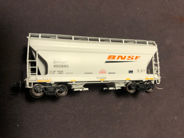 N Scale - Athearn - 23305 - Covered Hopper, 2-Bay, ACF Centerflow - Burlington Northern Santa Fe - 405895