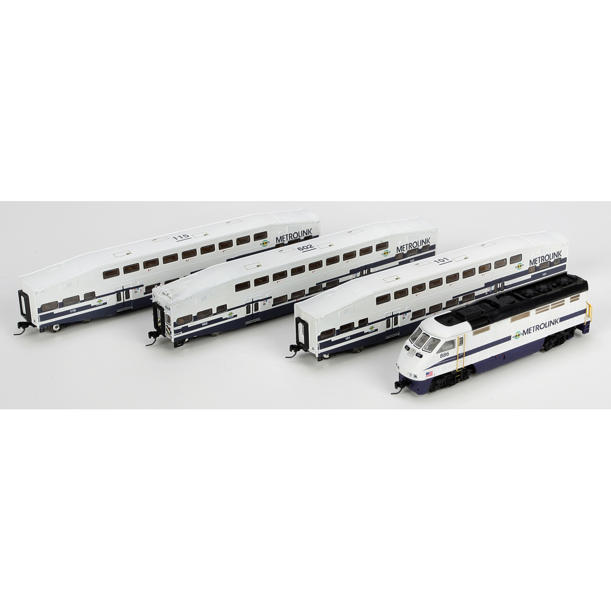 N Scale - Athearn - 25982 - Passenger Car, Commuter, Bombardier Multi-Level - Metrolink - 4 numbers